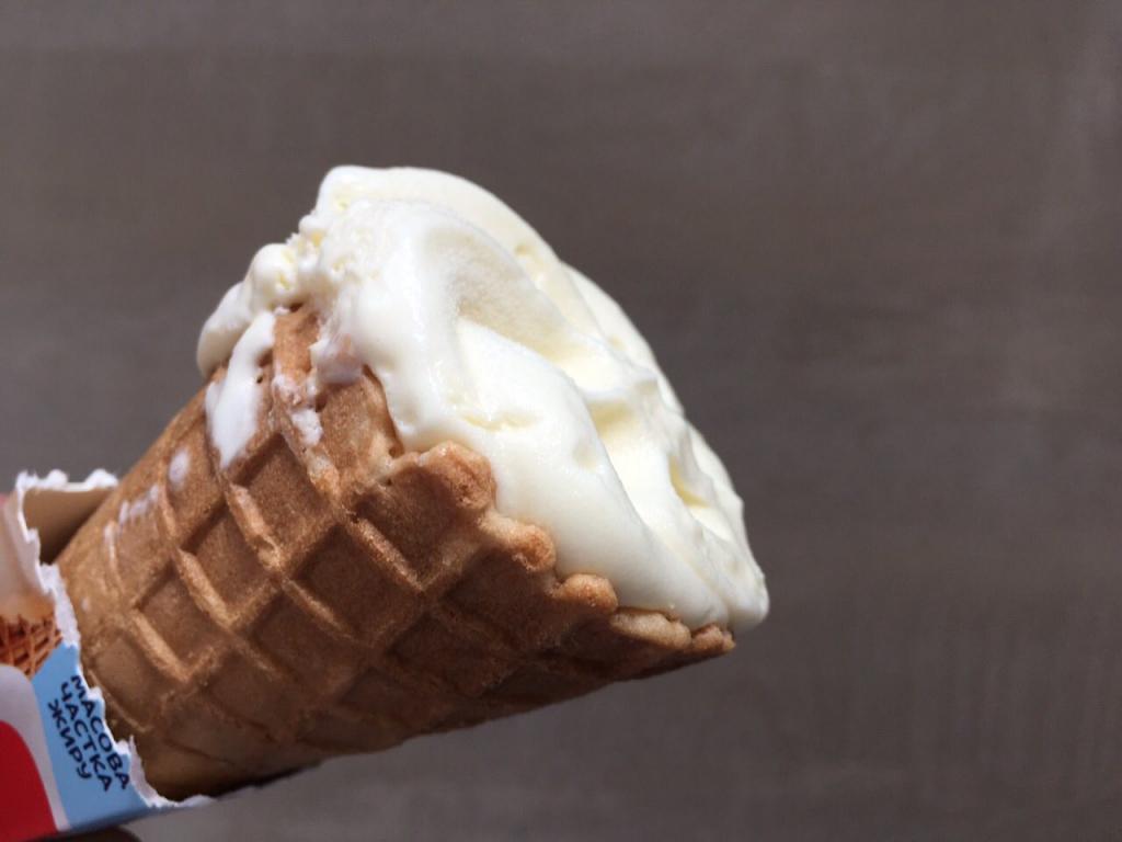 """Мороженое """"Крем-пломбир"""" от """"Рудь"""""""