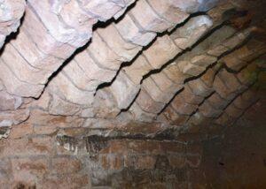 Потолок житомирских подземелий