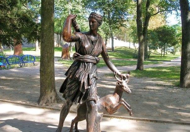 Статуя Дианы в Шодуаровском парке
